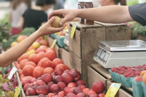 local-food-shopping-to-save-money-and-reduce-packaging